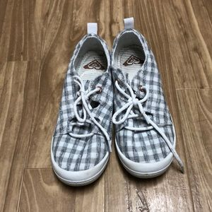 Great condition Roxy sneakers size 7